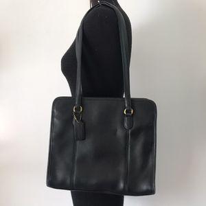 Vintage Coach 3 Compartment Shoulder Bag for Sale in Arlington, TX