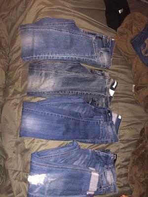 Skinny jeans/Capri jeans 4 pairs for Sale in Covina, CA