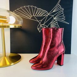 Saint Laurent Lou Leather Boots Heels for Sale in Los Angeles,  CA