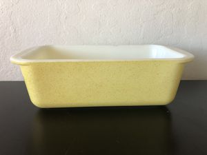 Vintage Pyrex Yellow Loaf Pan for Sale in Milpitas, CA