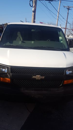 2005 chevy express g 2500 for Sale in Baltimore, MD