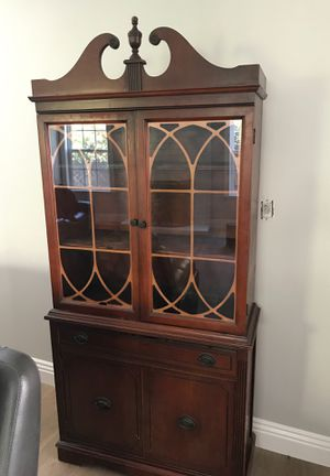 Antique china cabinet for Sale in Santa Ana, CA