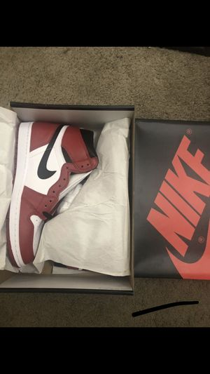 Air Jordan 1 Retro High Og 'Chicago' (2015) 100% authentic, size I have 9.5 & 10 & 10.5 , no trade no trade, serious buyer only read details first 👇🏼 for Sale in Nashville, TN