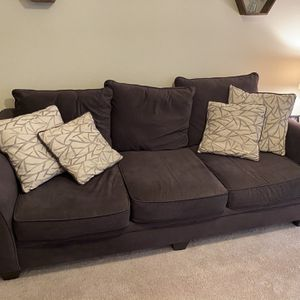 Couch With pillows for Sale in Dallas, TX
