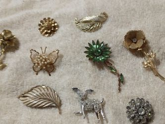 $2 Brooches for Sale in Houston,  TX