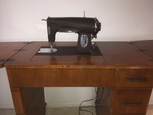 1950's Kenmore Sewing Machine for Sale in Clarendon Hills, IL