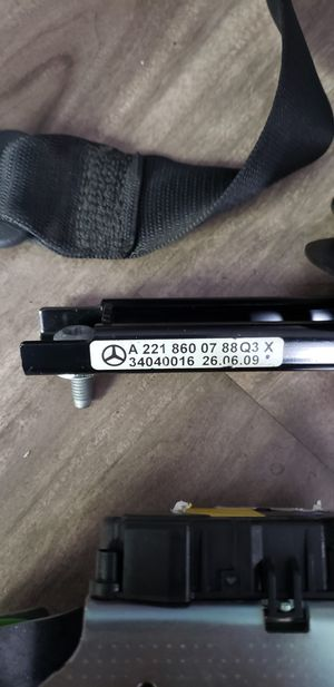 Mercedes seat belt for Sale in West Hollywood, CA