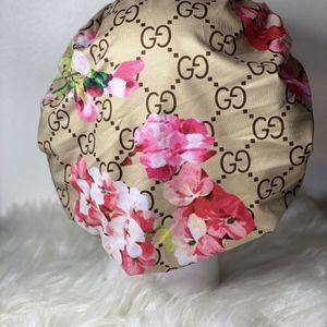 Gucci Bonnet for Sale in Chicago, IL