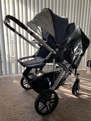LIKE NEW UPPAbaby DOUBLE STROLLER SET for Sale in Wildwood, MO