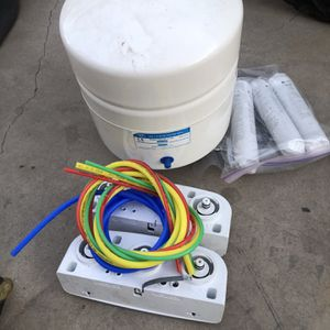 WHIRLPOOL WATER FILTRATION SYSTEM for Sale in Phoenix, AZ