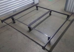 BROWN HEAVY DUTY KING SIZE BED RAILS / FRAME for Sale in Posen, IL
