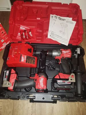 Milwaukee. M18 FUEL Lithium Ion 2-Piece Brushless Cordless Combo Kit. 2997-22. for Sale in Pelham, NY
