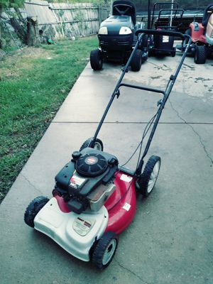 Huskee supreme lawn mower for Sale in Garland, TX