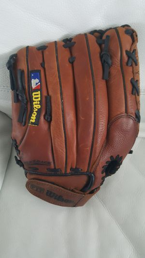 """WILSON Baseball Glove 11"""" Brown Canyon Leather for Sale in Tampa, FL"""