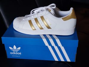 Adidas superstar Gold Metallic. for Sale in Orlando, FL