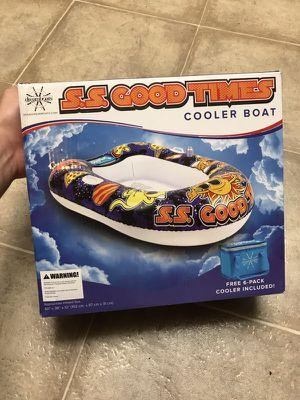 COOLER FLOAT* for Sale in Clovis, CA