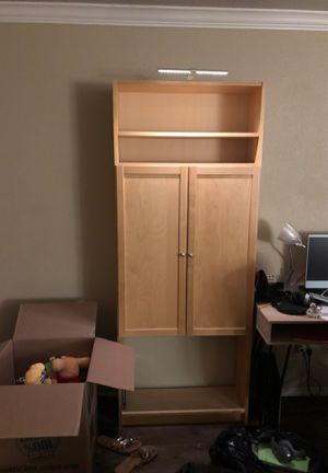 Bookcases with lights FREE. Must pick up today for Sale in Gilbert, AZ
