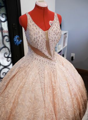Quinceanera dress for Sale in Lynwood, CA