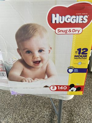 Huggies Snug and Dry Baby Diapers Size 2 140 count for Sale in La Mesa, CA