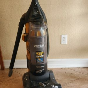 Vacuuming Good condition for Sale in Brea, CA