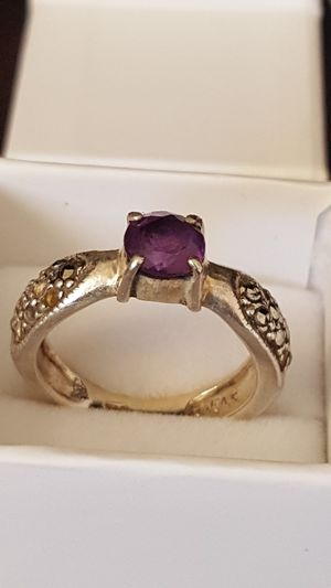 Beautiful 925 Sterling Silver, Marcasite Ring with Amethyst stone, 4.68grs Sz 6.5 for Sale in Covington, KY