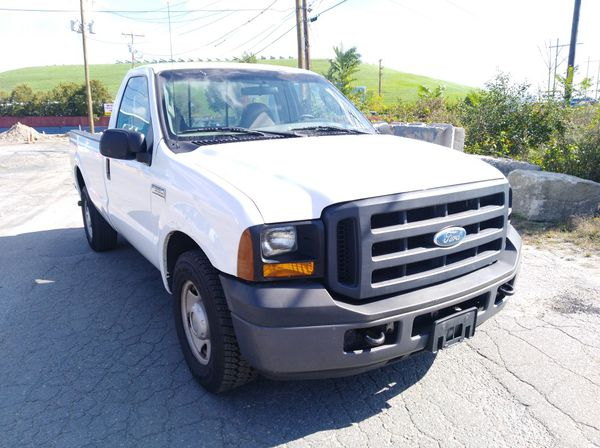 2006 Ford F-350 Super Duty rear wheel drive clean good working truck under 130k