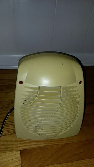 small electric heater for Sale in Bridgeport, CT