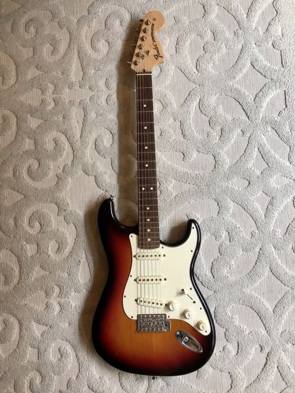 USA Fender Stratocaster Highway 1 Guitar