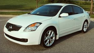 2 Seatback Storage Pockets 2007 Nissan Altima Clean interior for Sale in Pittsburgh, PA