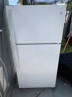 Kenmore refrigerator freezer for Sale in Huntington Beach, CA