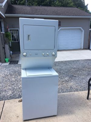Washer and gas dryer combo Frigidaire for Sale in Montoursville, PA