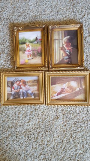 PICTURES 5x7 for Sale in Escondido, CA
