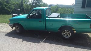 93 Ford ranger five speed for Sale in Chamois, MO