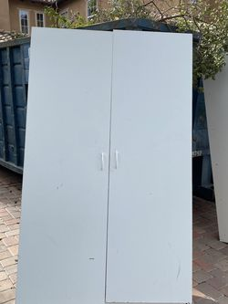 Free Garage Shelving / Cabinets for Sale in San Juan Capistrano,  CA