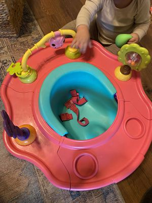 Booster seat w tray for Sale in Fort Worth, TX