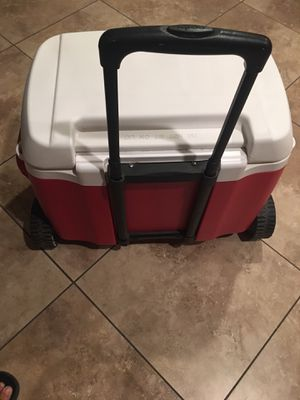 Igloo cooler size medium perfect condition for Sale in Mesa, AZ