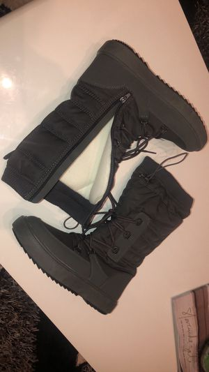 Snow boots .New ! 7M ,7.5 ,8, 8.5, 9 , 10 M. Woman's for Sale in Jacksonville, FL