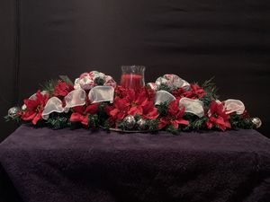 Christmas themed table centerpiece. for Sale in Yonkers, NY