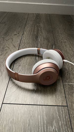 Rose Gold Beats by Dr. Dre Solo Wireless for Sale in Miami, FL