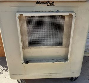 $300 side draft swamp cooler with hose and good motor for Sale in Phoenix, AZ