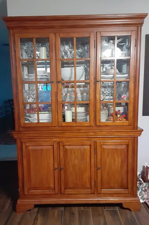 Mint condition Hutch/China Cabinet for Sale in NEW PRT RCHY, FL