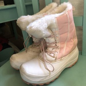 Girls Snow Boots Size 3 for Sale in Mission Viejo, CA
