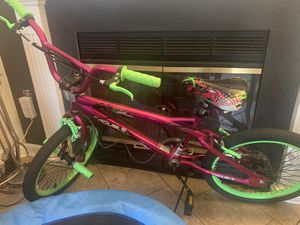 Girls Bike -Pink and Green for Sale in Nokesville, VA
