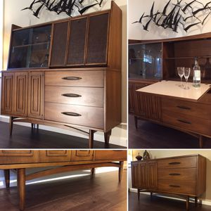 Mid Century Broyhill Sculptra Credenza With China Cabinet / Drop Bar Top for Sale in Seattle, WA