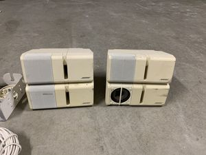 4 x Bose speakers with brackets and wire for Sale in Pittsburg, CA
