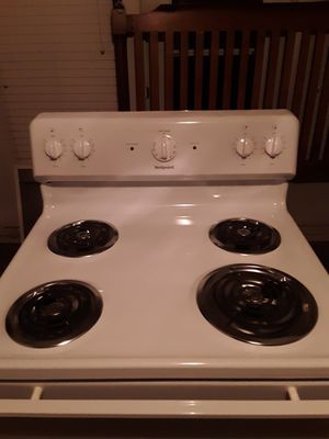 Hotpoint GE oven brand new never been used 1 and a half week old for Sale in Bloomington, IL
