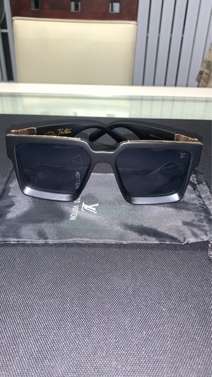 Unisex sunglasses for Sale in Kissimmee, FL