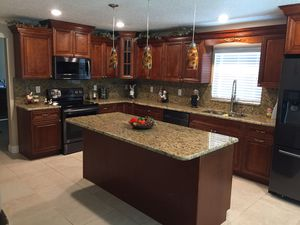 Kitchen and bath cabinets for Sale in Tampa, FL