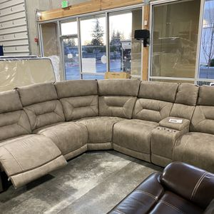 Power Reclining Sectional for Sale in Bonney Lake, WA