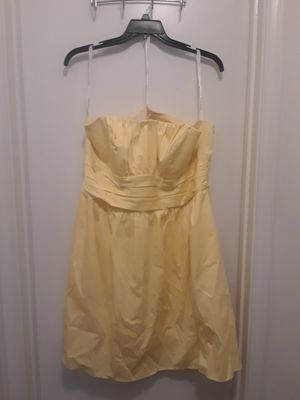 Canary Yellow Size 20 Bridesmade Dress from David's Bridal for Sale in Nashville, TN